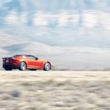Fast & Furious 女主角挑战!Jaguar F-Type SVR 飙至 323.5km/h