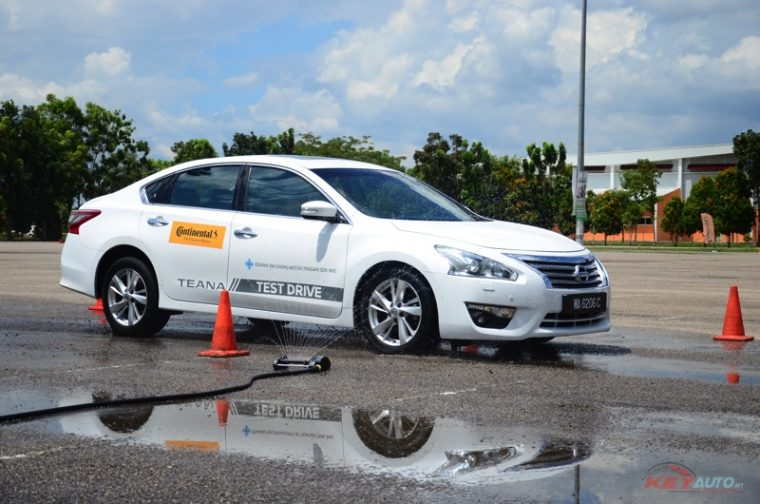 2016-continental-ultracontact-uc6-and-cc6-test-drive-08