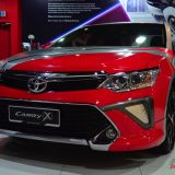 2017-umw-toyota-camry-facelift-price-malaysia-03