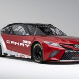 2018-all-new-toyota-camry-unveiled-detroit-auto-show-09