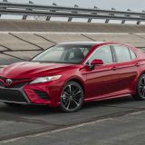 2018-all-new-toyota-camry-xse-v6-and-hybrid-xle-022