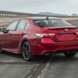 2018-all-new-toyota-camry-xse-v6-and-hybrid-xle-024
