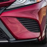 2018-all-new-toyota-camry-xse-v6-and-hybrid-xle-028