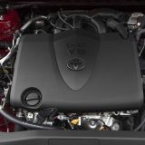 2018-all-new-toyota-camry-xse-v6-and-hybrid-xle-041